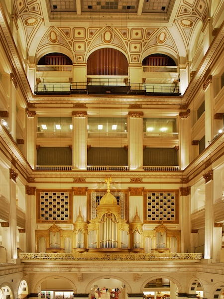 Wanamaker Organ in Macy's City Center, Philadelphia